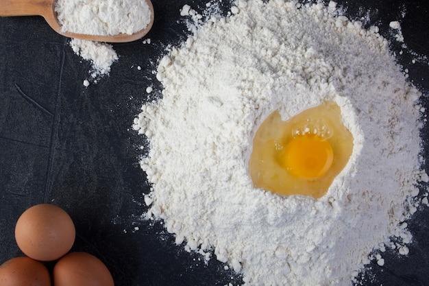 Œufs et farine