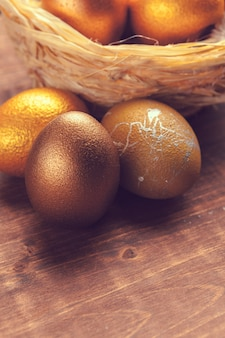 Oeufs de pâques en or