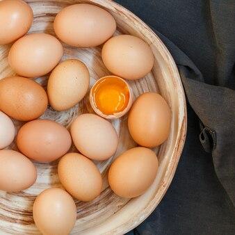 Oeufs de poule brun cru bio
