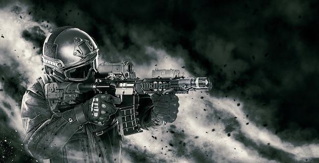 Officier de police des opérations spéciales swat en uniforme noir avec un fusil faisant son chemin à travers le feu. studio tourné sur fond noir. concept d'agression policière