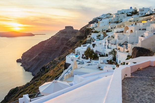 Oia decks et patios de luxe au coucher du soleil