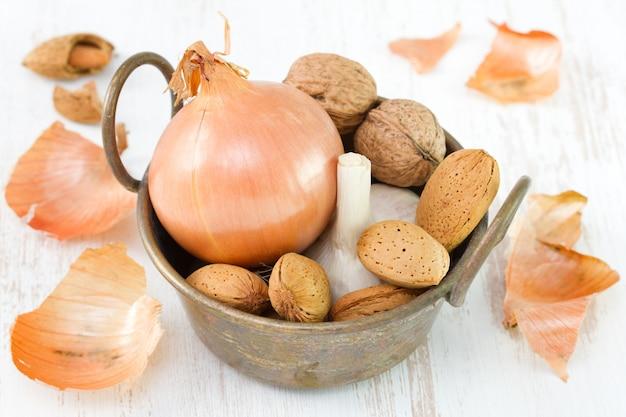 Oignon à l'ail, aux amandes et aux noix