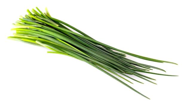 L'oignon vert isolé sur fond blanc