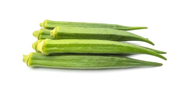 Okra isoler sur le fond blanc, nourriture saine