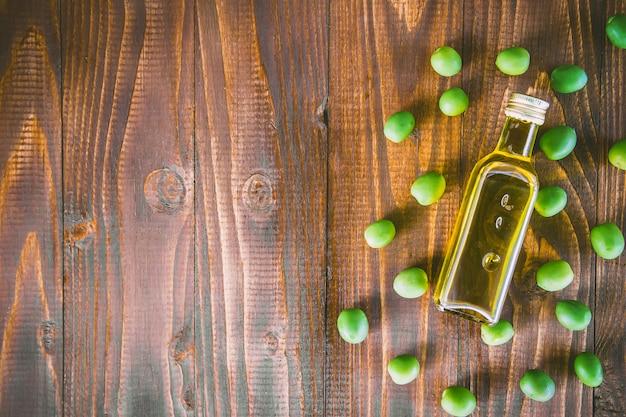 Olives et huile d'olive. mise au point sélective. aliments.