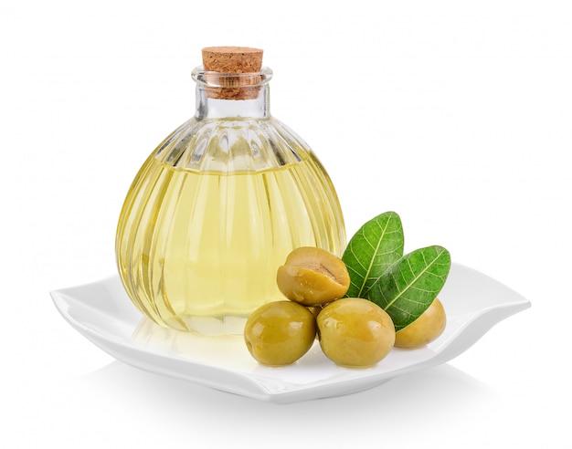 Olives vertes et huile en plaque (belle forme)