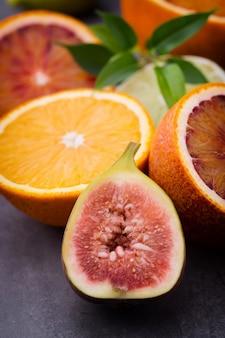Oranges et figues siciliennes sanglantes