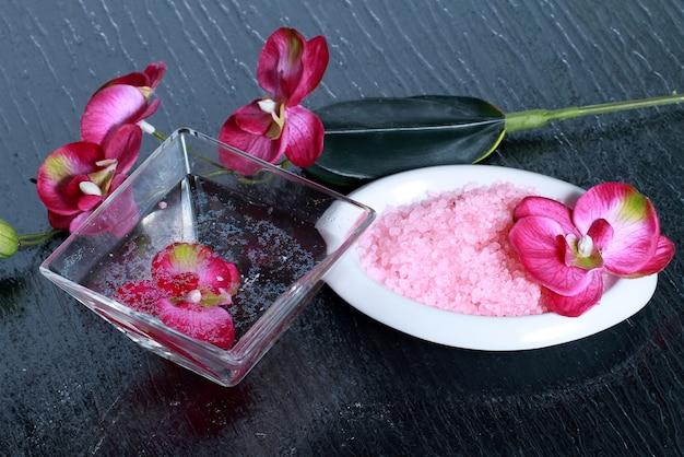 Orchidée rose avec sels de bain roses
