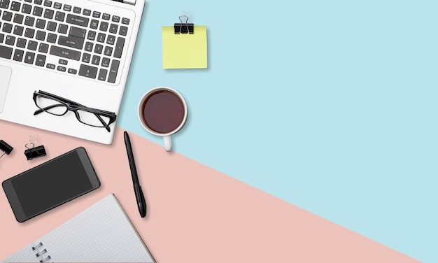 Ordinateur de bureau à plat ordinateur portable d'espace de travail de mode