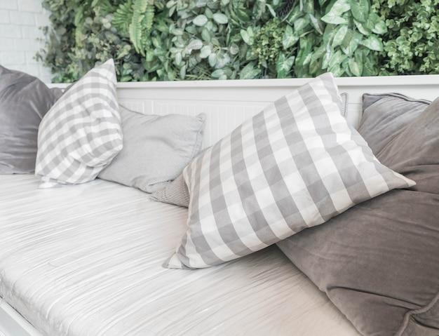 Oreiller sur canapé