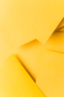Origami jaune abstrait