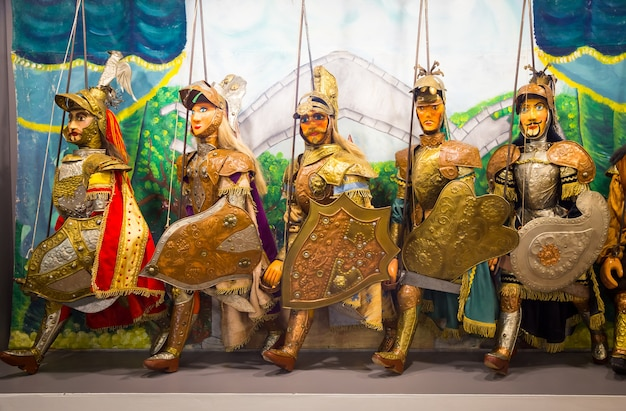 Original pupo siciliano (marionnettes siciliennes, italie). le théâtre de marionnettes sicilien est inscrit au patrimoine de l'unesco.