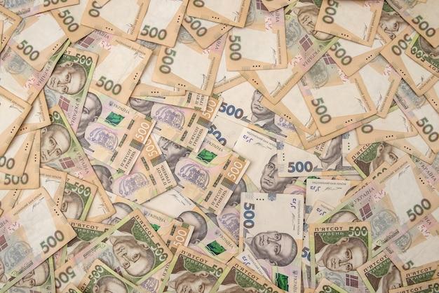 Origines de l'argent ukrainien. 500 billets. hryvnia (uah). vue de dessus.