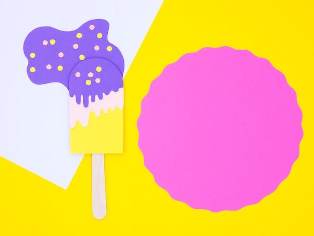 Ornement de crème glacée en papier
