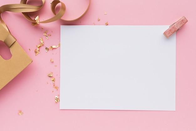 Ornement de feuille de papier vierge pour le mariage