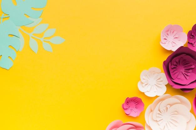 Ornement de papier floral élégant copie-espace