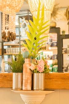 Ornement de style vintage décoré la boutique