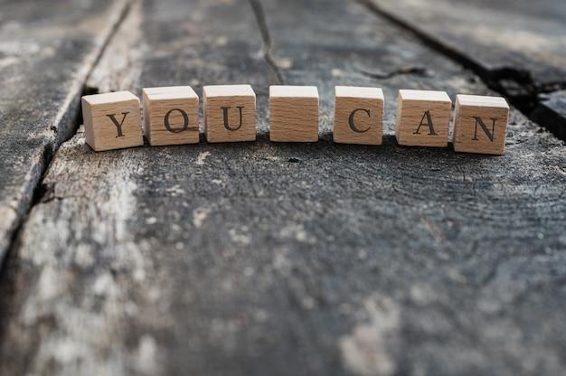L'orthographe des blocs en bois vous pouvez