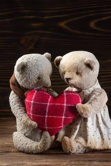 Ours en peluche fait main avec foyer