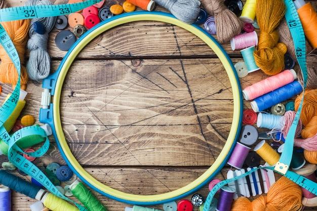 Outil de couture pour travaux d'aiguille, fils colorés au centimètre
