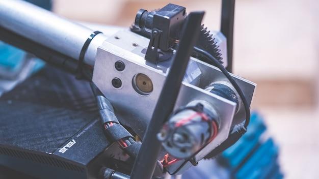 Outil mécanique industriel