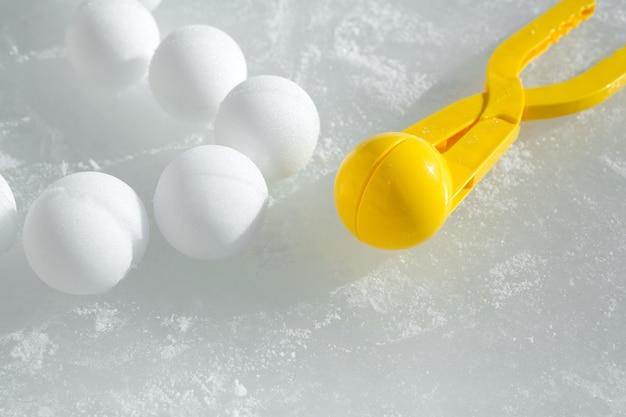 Un outil de modélisation et de fabrication de boules de neige pour les jeux d'enfants