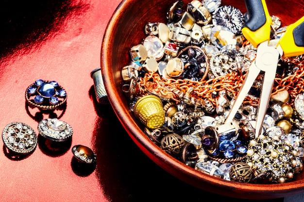 Outils et accessoires de fabrication de bijoux