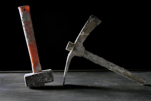 Outils de construction utilisés main outils sales