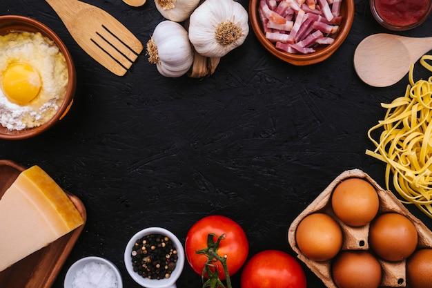 Outils et ingrédients pour la préparation des pâtes