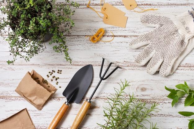 Outils de jardinage de plantes bouchent