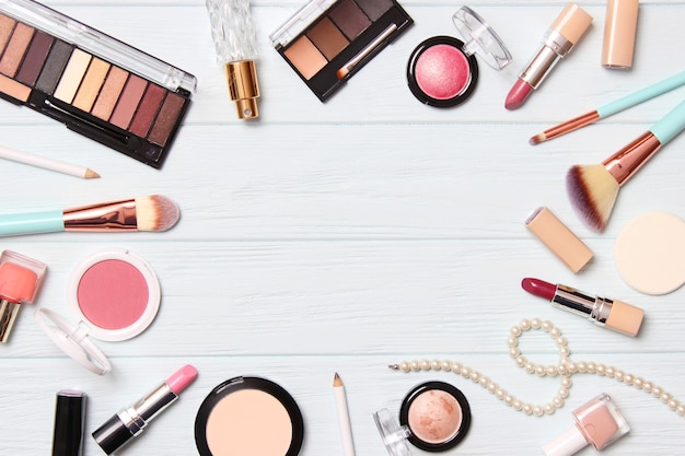 Outils de maquillage professionnels produits de maquillage un ensemble de divers produits pour le maquillage