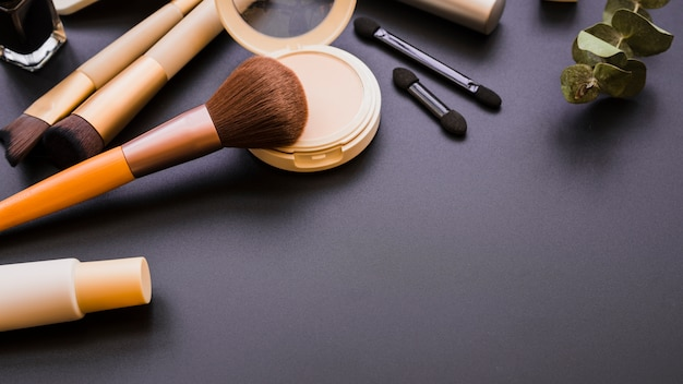 Outils de maquillage