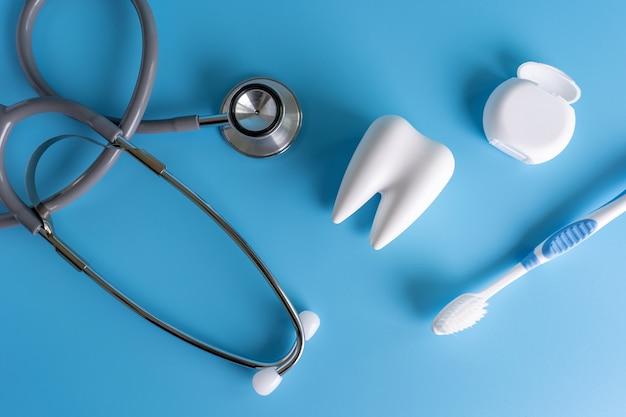 Outils de matériel dentaire sain pour les soins dentaires professional dental concept