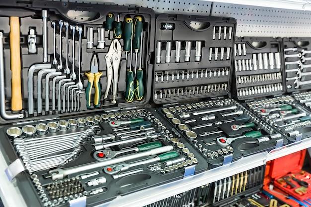 Outils mécaniques professionnels pour le service automobile et la réparation automobile.