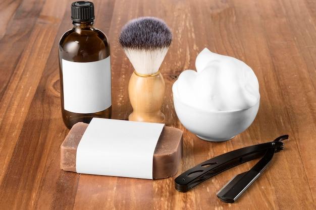 Outils et mousse de salon de coiffure haute vue