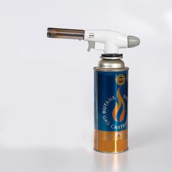 Outils de tête de torches de chauffage sur le gaz de beltan peut sur fond.