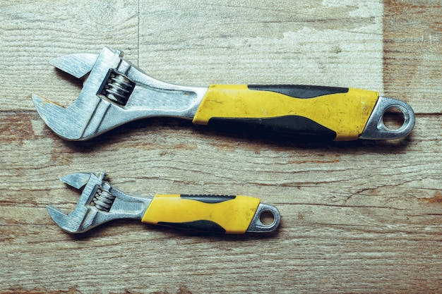Outils de travail sur bois rustique. vue de dessus