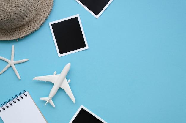 Outils de voyage avec copie-espace