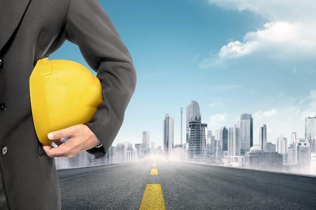 Ouvrier construction, tenue, jaune, casque