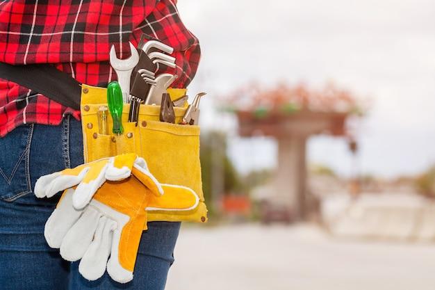 Ouvrier dans un chantier de construction