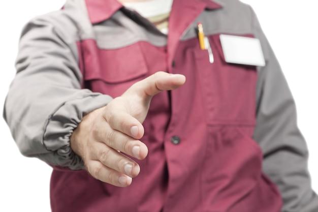 Ouvrier donnant un coup de main
