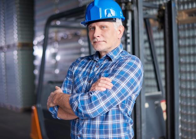 Ouvrier à l'entrepôt