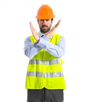 Ouvrier ne faisant aucun geste