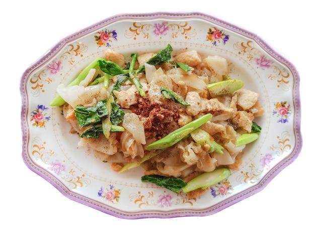 Pad see ew (thai stir furnes noodles)
