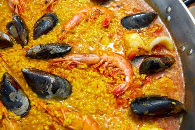 Paella de fruits de mer d'espagne valencia recette