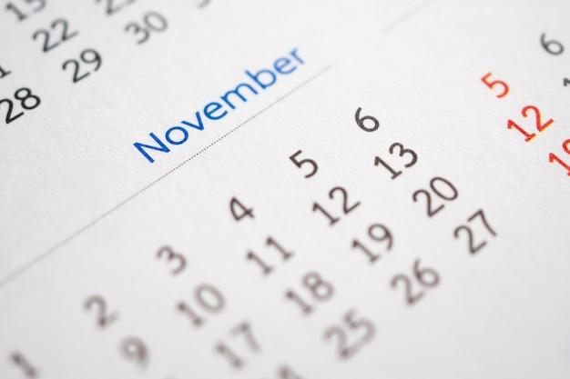 Page de calendrier de novembre avec mois et dates de planification des activités
