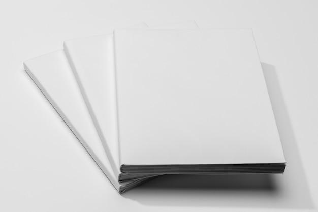 Pages de vue élevée des livres de l'espace de copie