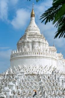 La pagode mya thein tan à bagan, myanmar