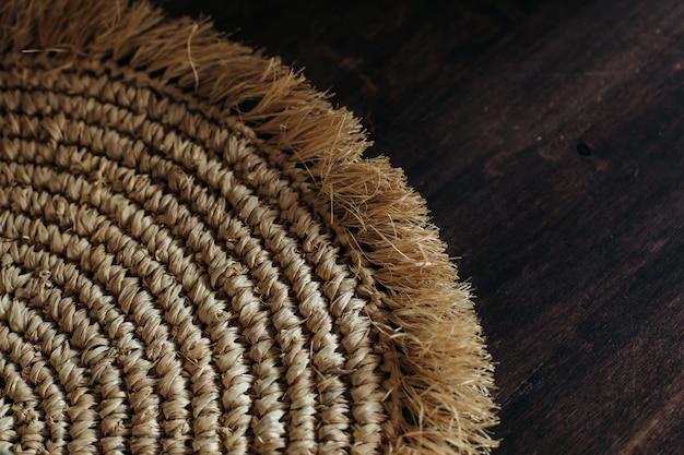 Paille en osier beige serviette écologique amical spirale abstrait fond copie espace