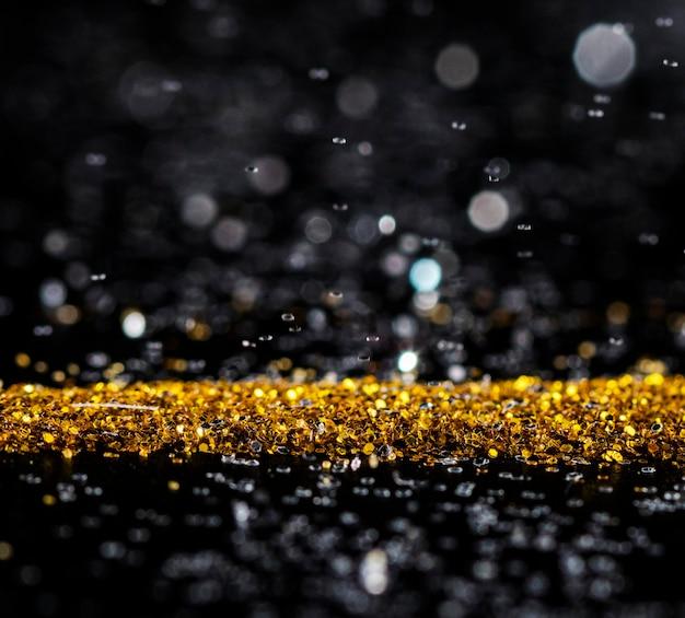 Paillettes dorées scintillantes